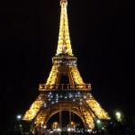 Eiffel Turm bei Nacht